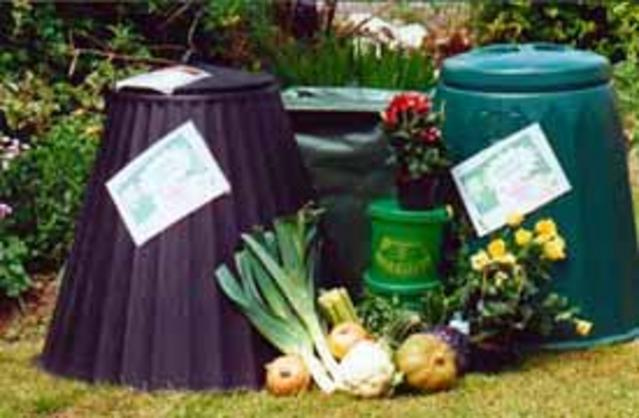 compost_can_01.jpg